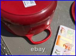 LE CREUSET Cast Iron 5.5 QUART #26 Dutch Oven in Cherise Cherry Red Beautiful