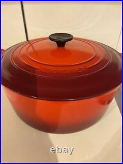 Le Creuset 5.5qt Classic French Dutch Oven Cerise Cherry Red New In Box 5 1/2