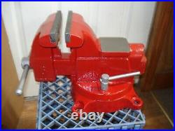 Mac Tools U. S. A. 6 Bench Vise with Swivel Base & Pipe Jaws X-TRA Clean
